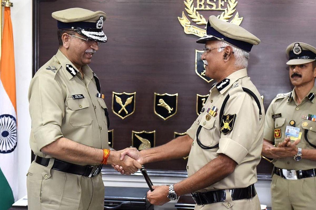 IPS Vivek Kumar Johri takes charge as BSF DG_50.1