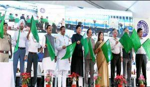 Railways Minister Piyush Goyal flagged off 9 'Sewa Service' trains_50.1