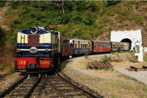 Indian railway launches 'Him Darshan Express'_50.1