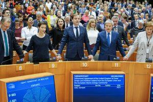 EU Parliament approves UK Brexit deal_50.1
